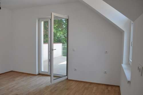 PROVISIONSFREI: Entzückende 2 Zimmerwohnung mit großer Terrasse und Grünblick