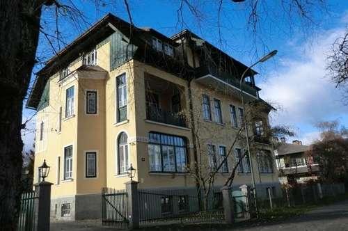 Stilvolle Dachgeschosswohnung in Villenlage, Völkendorf