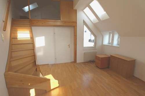 Studentenhit - Moderne 2-Zimmer-Dachgeschosswohnung mit Loggia am Zimmermannplatz - Miete 1090 Wien