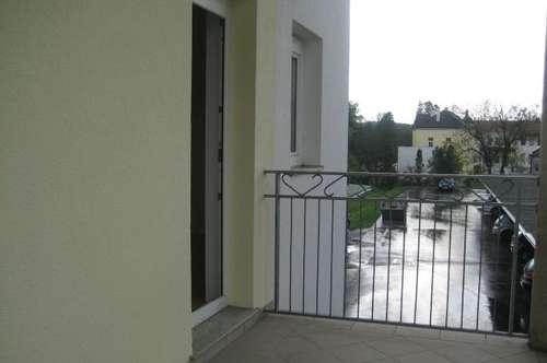 Sonnige ,zentrale 3ZI+Balkon+Carport