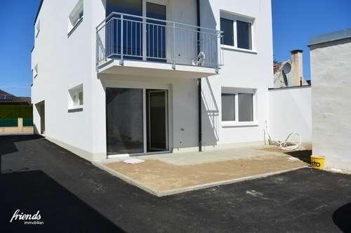 Wohnung mit Klimaanlage, Balkon, Parkplatz