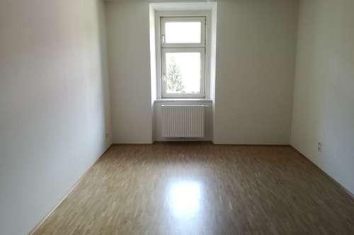 Kaiserfeldgasse - 1,5-Zimmerwohnung ab 01.06. im Zentrum zu vermieten!