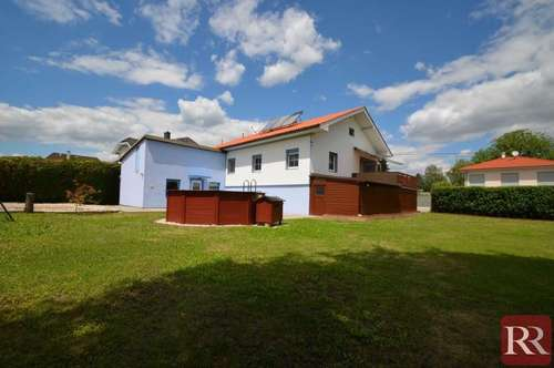 Sonniges Einfamilienhaus für ihre Familie inklusive Doppelgrund