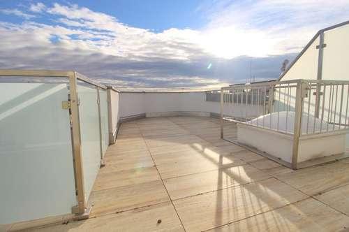 Erstbezug DG-Maisonette mit 32 m² Terrasse | gelungene Raumaufteilung | U3 nähe