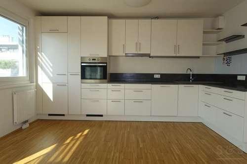 3 Zimmer Wohnung im 6 Stock / 90 m² / 10 m² Balkon / Nähe Alte Donau