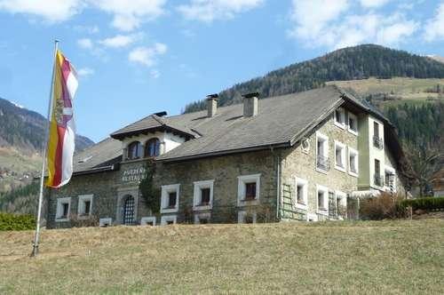 Großzügiger Wohntraum in historischem Gemäuer