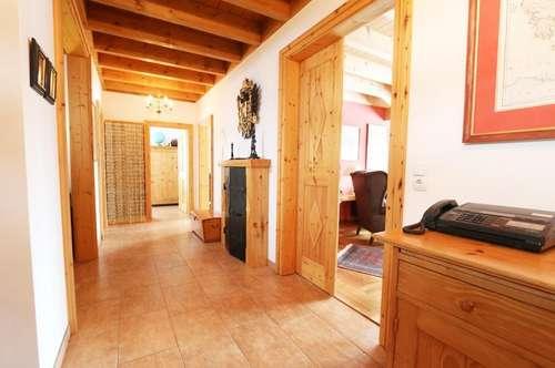Lebenswert, Vielfällltig, Erholsam  -  Familienvilla mit hochwertiger Ausstattung und vielen Extras -