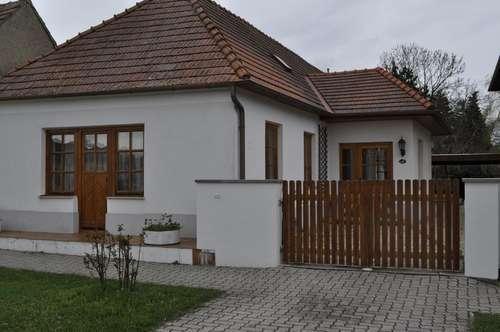 Entzückendes Miethaus mit Terrasse & Garten