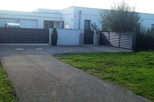 Moderner barrierefreier Bungalow auf großem, eingewachsenem Grundstück im Südburgenland