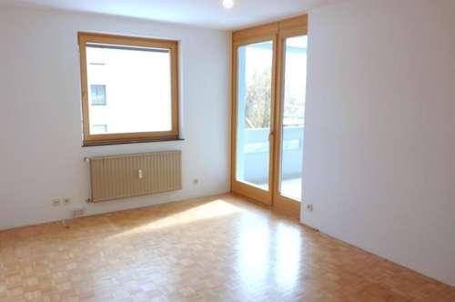 RESERVIERT - 3-Zimmer-Wohnung mit Loggia