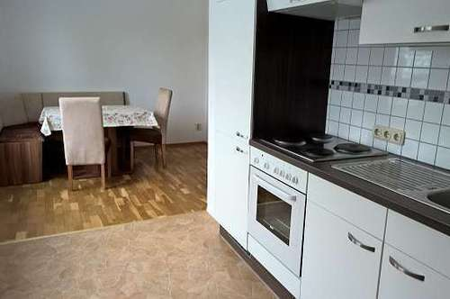 Erstbezug nach Sanierung - sonnige Wohnung zentrale Lage