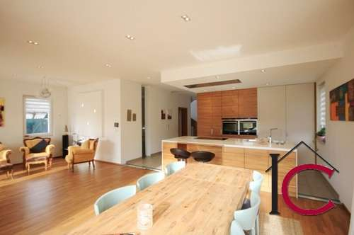 KAUFANBOT GELEGT/RESERVIERT! Wunderschöne Villa in sonniger und ruhiger Innenstadt-Vorzugslage