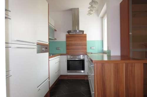 Sehr schöne zentrale 4-Zimmerwohnung in Urfahr, 98 m² WNFL inkl. Loggia, Küche möbliert ohne Ablöse