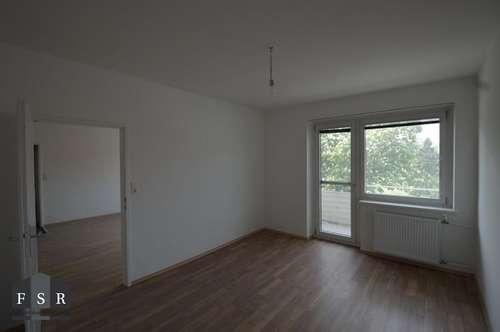 Erstbezug nach Sanierung! Schöne und ruhige 3 Zimmerwohnung mit Balkon inkl. Heizkosten