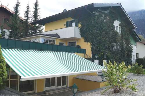 Herrschaftliche Villa mit neuwertigem Inndoor-Swimingpool