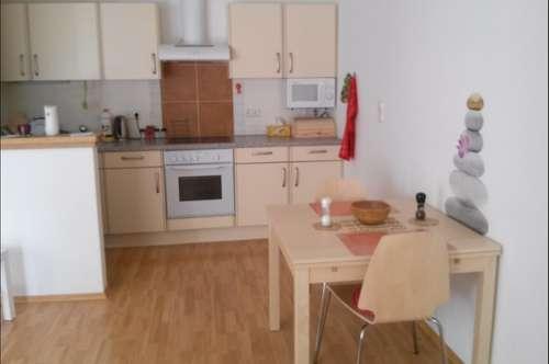 Provisionfrei, Stilvolle 2 Zimmer Wohnung mit 2 Balkons