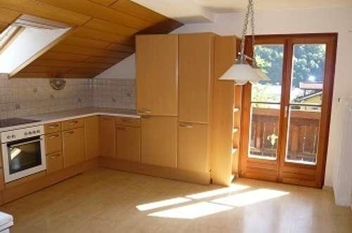 großzügige 4 Zimmerwohnung in ruhiger, zentraler Lage von Werfen, von privat an sofort zu vermieten