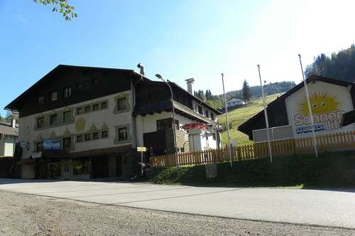 "Aktver Hotelbetrieb im Skiort ""STUHLECK"""