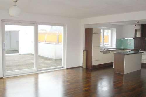 moderne und hochwertige Dachterrassen-Wohnung in Ried im Innkreis