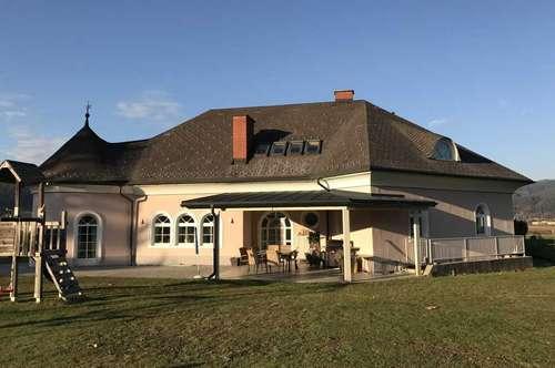 PREISHIT: VILLA MIT PARKÄHNLICHEM GRUND PLUS ~ 10.000 M2 WALD - NATURNAH