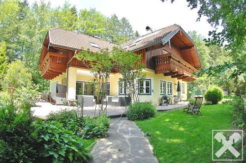 Landhausvilla in Alleinlage im Salzkammergut