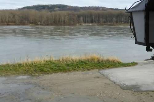 """DIREKT an der Donau!"""