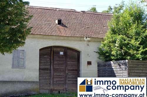weitläufiges Grundstück mit altem Haus in Weingraben