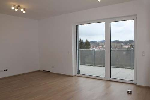 Familienfreundliche Wohnung mit Balkon und Eigengarten
