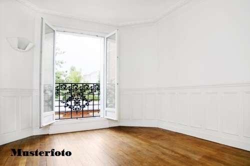 + 3-Zimmer-Wohnung mit Carport +