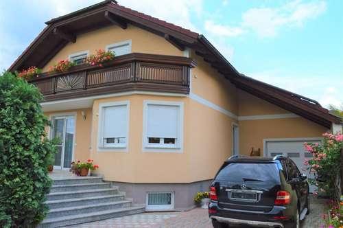 ! ! ! Exclusives Einfamilienhaus - Pool - Doppelgarage - Wohnkeller ! ! !