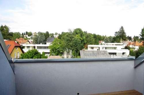 Schillerplatz: neue Dachgeschoß-Wohnung mit Dachterrasse und Blick ins Grüne