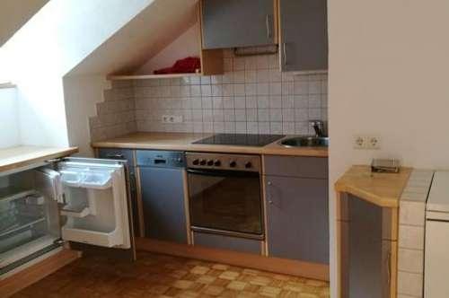 LANDECK : leistbare 3-Zimmer-Dachgeschoss-Albauwohnung schön saniert