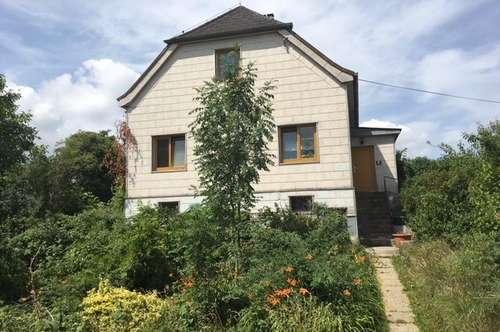 Stark sanierungsbedürftiges, kleines Wohnhaus am Stadtrand von Amstetten!
