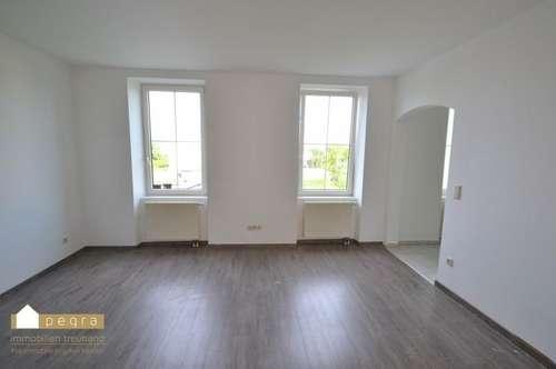 ruhig gelegene sehr helle Wohnung mit 3 Zimmer