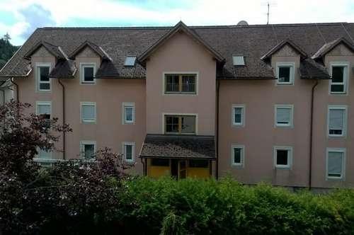 """HERBSTAKTION: """" 3 MONATE MIETFREI!"""" Freundliche ca. 82 m² Mietwohnung mit Balkon in Eberstein"""