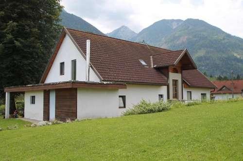 Idyllisches Einfamilienhaus mit großem Grundstück