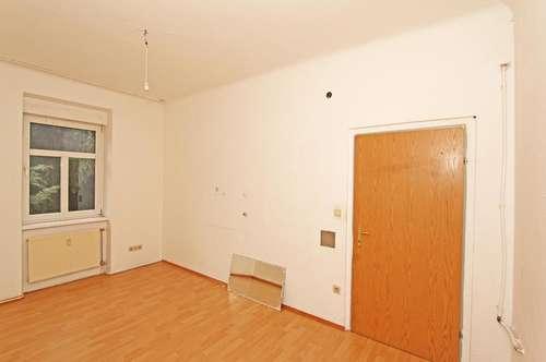 Sanierungswohnung mit 3 Zimmern