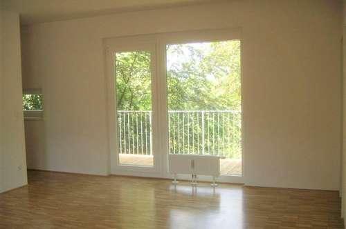Helle 3-Zimmer-Wohnung mit großem Balkon und wunderschönem Blick ins Grüne