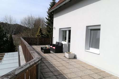 Sehr gut geschnittene Wohnung mit großer Terrasse