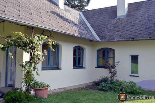 Nähe Fürstenfeld: Geschmackvolles Haus in herrlicher Ruhelage