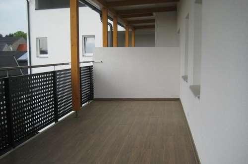 Ruhige Innenhoflage 2ZI+Terrasse+Carport