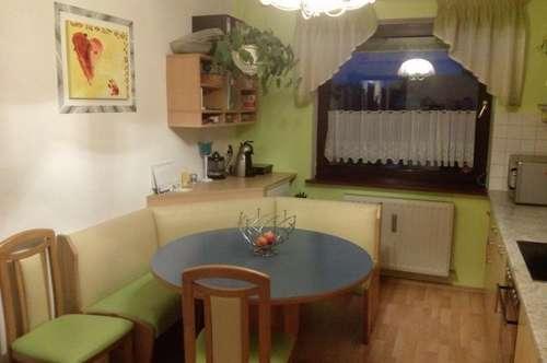 Familienfreundliche Mietwohnung gut gelegen in Gamlitz sofort beziehbar 3 Zimmer + Küche, Garten, Einkaufen, Kindergarten, Schule fußläufig - 8462 Gamlitz / Leibnitz