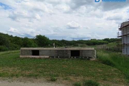2051 Platt: Pendlergeignete Bauparzelle mit Rohbaukeller