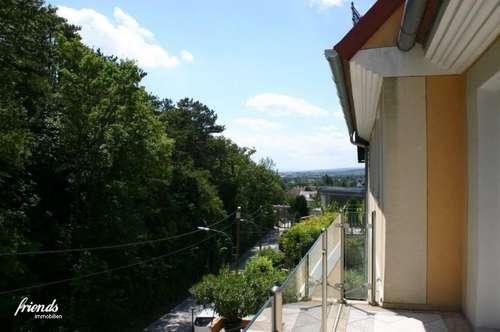 Großzügige 3 Zi-Wohnung mit 2 Balkonen am Kurpark