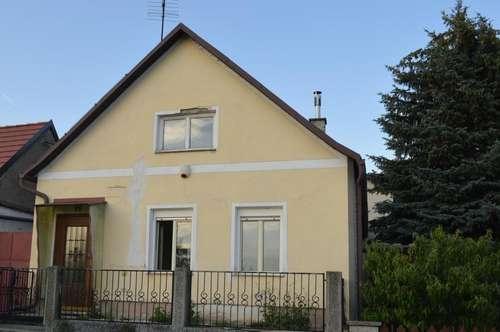Geräumiges Einfamilienhaus im Weinviertel billig abzugeben!