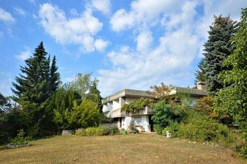 80er-Vintage-Architekten-Villa auf großem Grund mit Seeblick!