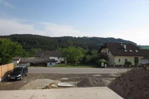 Erstbezug! Helle, freundliche 4-Zimmer-Wohnung am Linzerberg, 90 m² WNFL + Balkon + 2 Parkplätze! Top 4