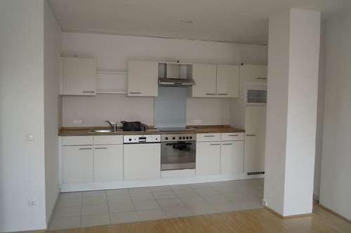 Sehr schöne 2-Zimmer-Wohnung (70 m²) im Zentrum Wels zu vermieten