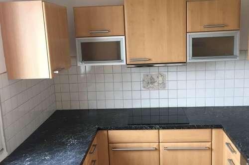 Helle 5 Zimmerwohnung mit Loggia und Tiefgarage in Asten