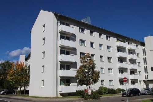 Sonnendurchflutete, schöne 3 Zimmerwohnung mit Balkon - ruhige Siedlungslage - provisionsfrei